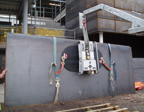 Panel Lifting Devices : Vacuum panel lifters baker plant hire